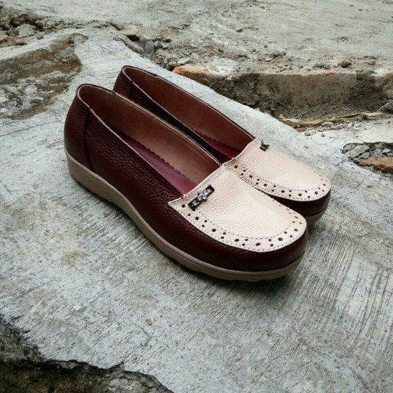 Flat Shoes Kulit Asli Fatima Warna Merah Marun Putih Sepatu