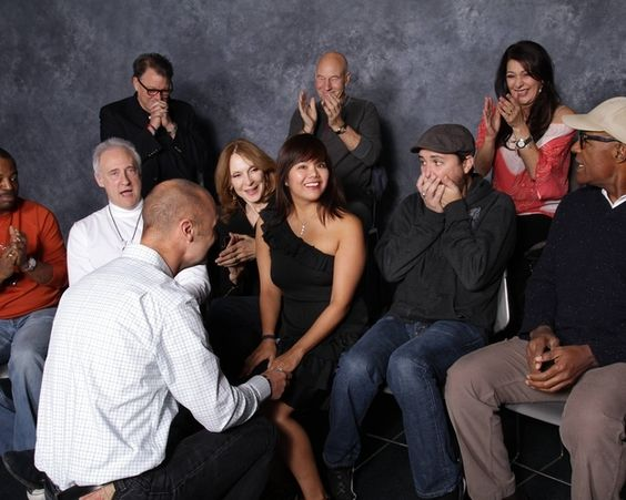 """Man Proposes To Girlfriend During """"Star Trek"""" Cast Photo Op - LOL Will Wheaton"""