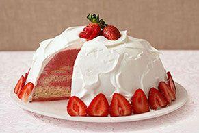 Este pastel de flan de fresas es todo un rompecorazones. Compártelo sin recelo y verás como encantará a todos y los enamorará con su delicioso sabor.
