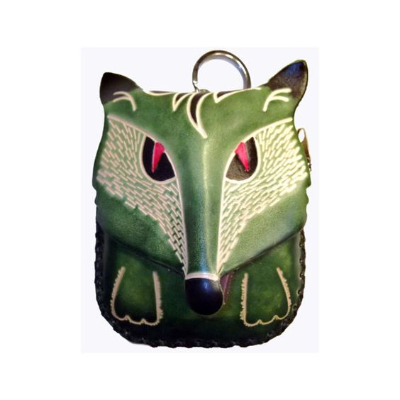Olive the Wolf is a beautiful genuine leather purse/wristlet! Youll love to carry him around with you-in all seasons and for all occasions. Lovely