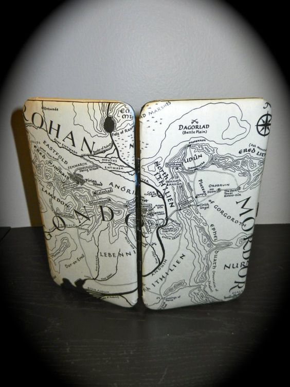 Lord of the Rings Book Page Wallet with Double Page Map  Lady A