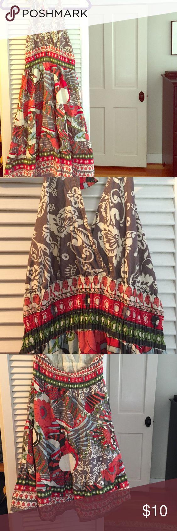 Halter Dress Adorable halter dress in 100% cotton. Dresses Midi