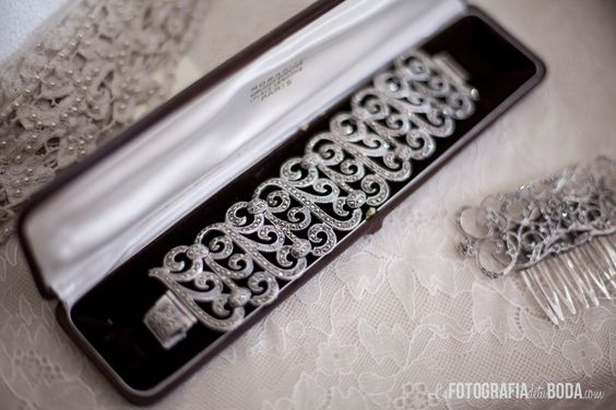Fascinación por las bellezas en joyas vintage que tiene L'Arca · Love & Vintage #weddingjewelry #joyas #bride #novia #tendenciasdebodas