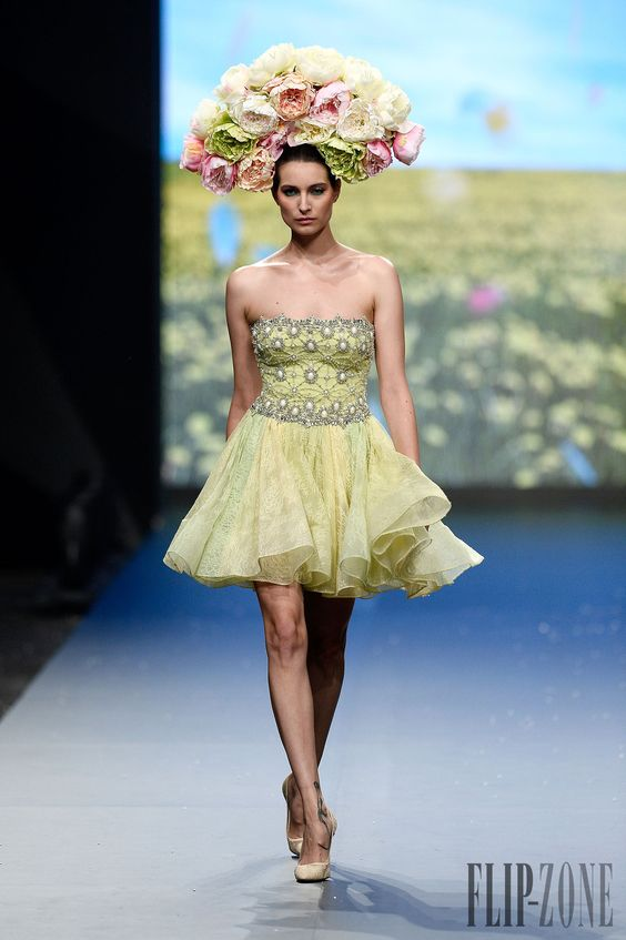 "Rami Kadi ""Le Royaume Enchanté"", P-É 2014 - Haute couture - http://fr.flip-zone.com/fashion/couture-1/independant-designers/rami-kadi-4708"