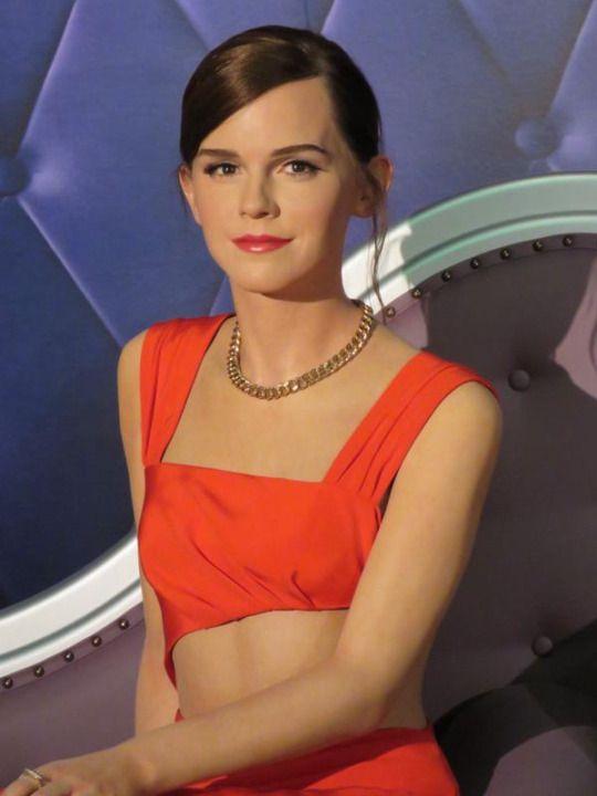 Emma S Second Wax Figure In Orlando Gallery World Of Harry Potter Emma Watson Madame Tussauds Famous Celebrities