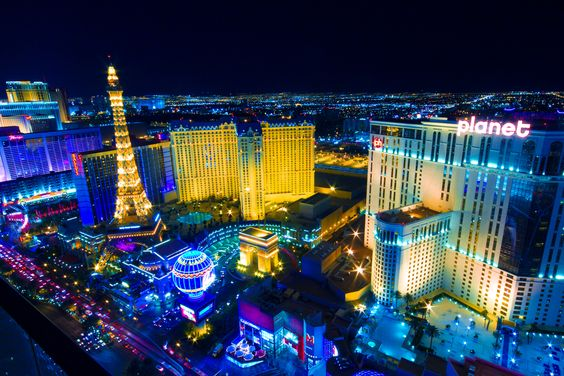 "Las Vegas, USA. Also known as ""sin city"", the place has rides for everyone, as shows, restaurants, shopping, spas and casinos. In the big city, visitors can also see the fantastic Grand Canyon, one of the Seven Natural Wonders of the World."