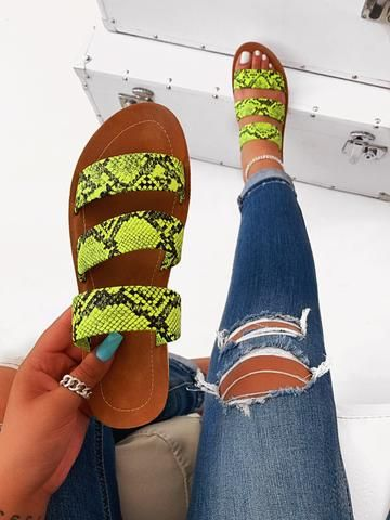 36 Women Sandals That Will Make You Look Fantastic