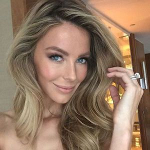 celeb inspo: jen hawkins long hair, summer waves hair, hairstyle inspo