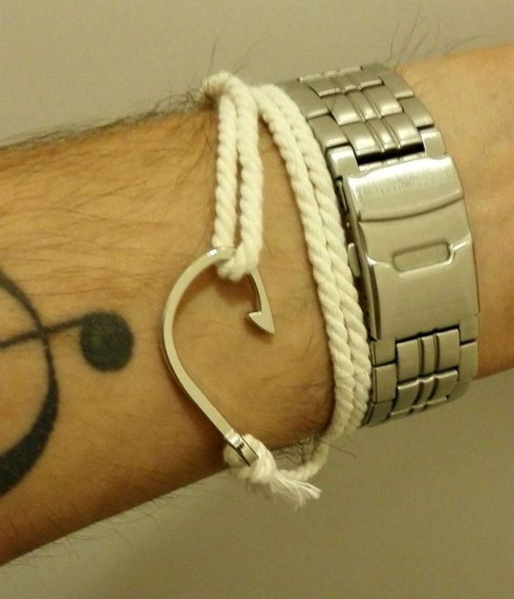 Nautical Fishhook Bracelet €6,99