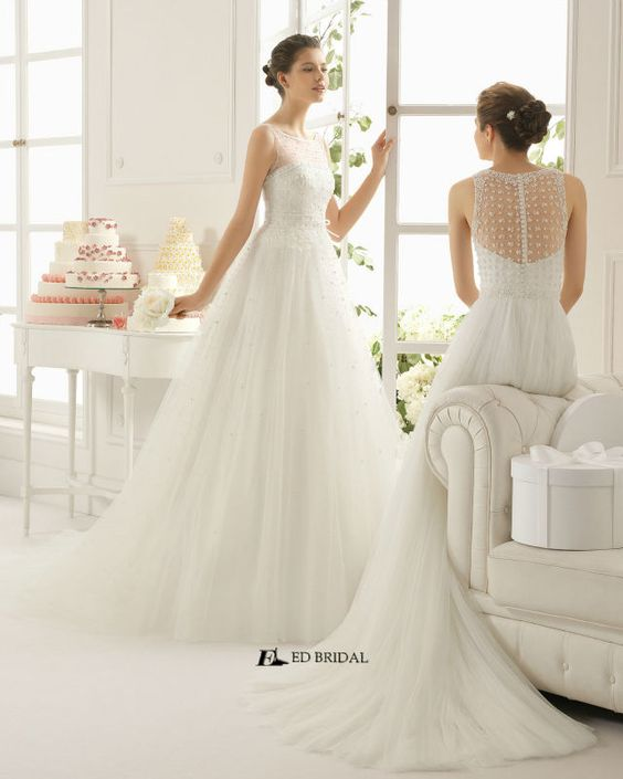 2015 New Collection Ball Gown Lace Appliqued Beaded Islamic Wedding Dress