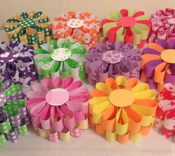Flores con cartulina bifaz primavera pinterest for Decoracion primavera manualidades