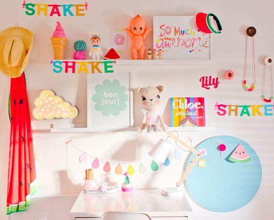 Inspiração para um quarto infantil beeeeem colorido!