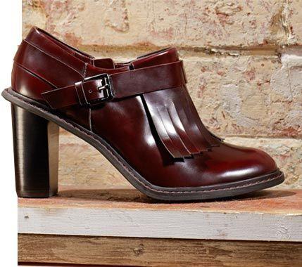 Blues Melody, Zapatos oxford para mujer con tacón medio y detalle de flecos en charon burdeos