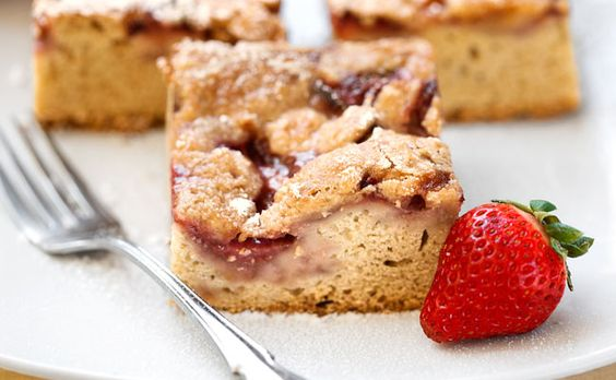 Vegan Strawberry Streusel Cake