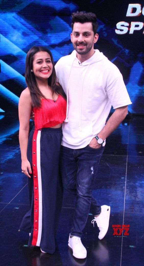 Himansh Kohli With Neha Kakkar Neha Kakkar Dresses Celebrity Fashion Looks Bollywood Celebrities