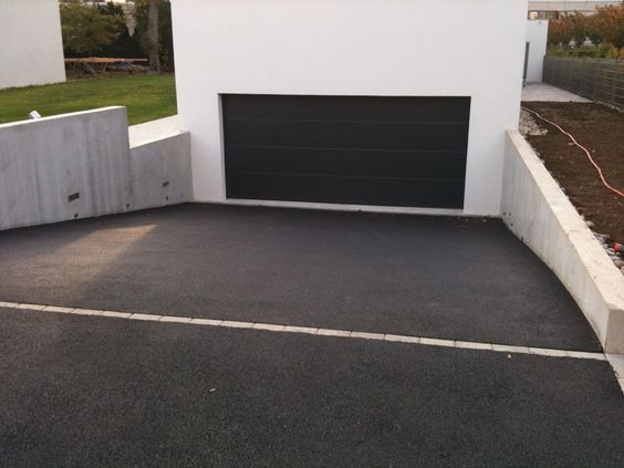 Descente de garage all e pinterest garage et photos for Goudron sur carrelage