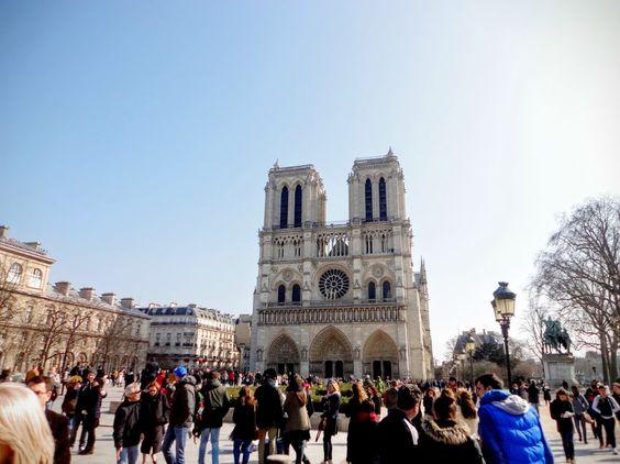 Na Janelinha para ver tudo: Catedral de Notre Dame, o maior monumento gótico…