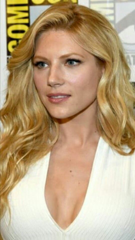 Is Katheryn Winnick Married Or In A Relationship Who Is Her