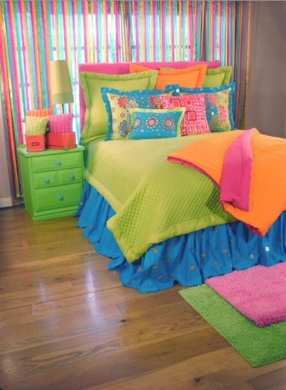 Colorful bedding for girls rooms kids room decor ideas for Bright teenage bedroom designs