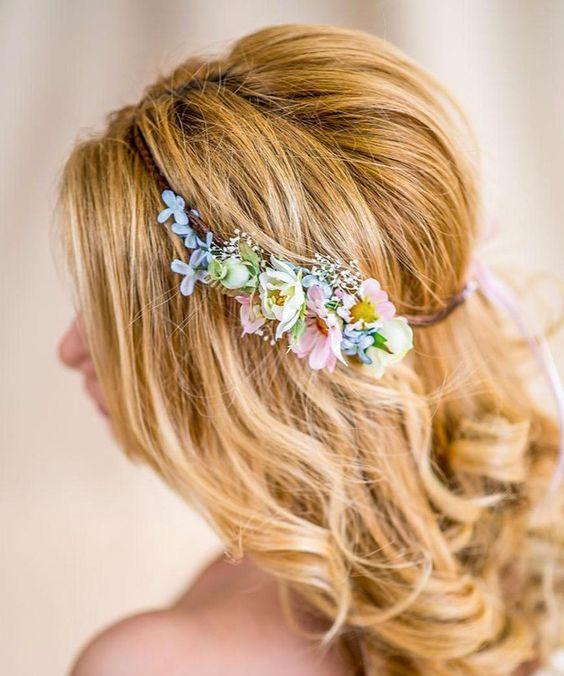 Blumenkranz für die Hippie-Braut zur Hochzeit / fascinator with flowers, hippie bride, wedding by Princess_Mimi via DaWanda.com