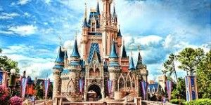 7 Tips To Enjoy Walt Disney World On A Hot Summer Day.. I will be so happy I pinned this when we take the beez to Disney!!