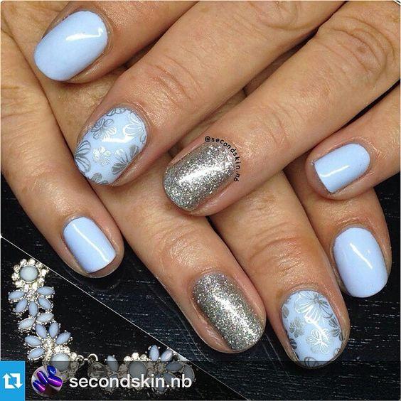 mundodeunas#Repost @secondskin.nb ・・・ Gel polish with stamping using @mundodeunas silver and #konad plate M101 @konad_art