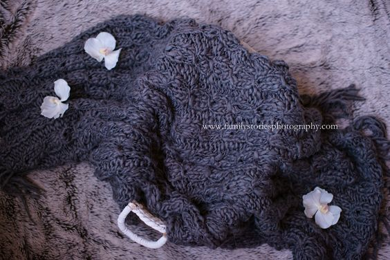 nice background for a newborn session - keep it simple - use soft toned colours -  familystoriesphotography.com