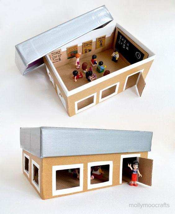 diy les maisons en carton miniature playmobil pinterest salle de classe bricolage et. Black Bedroom Furniture Sets. Home Design Ideas