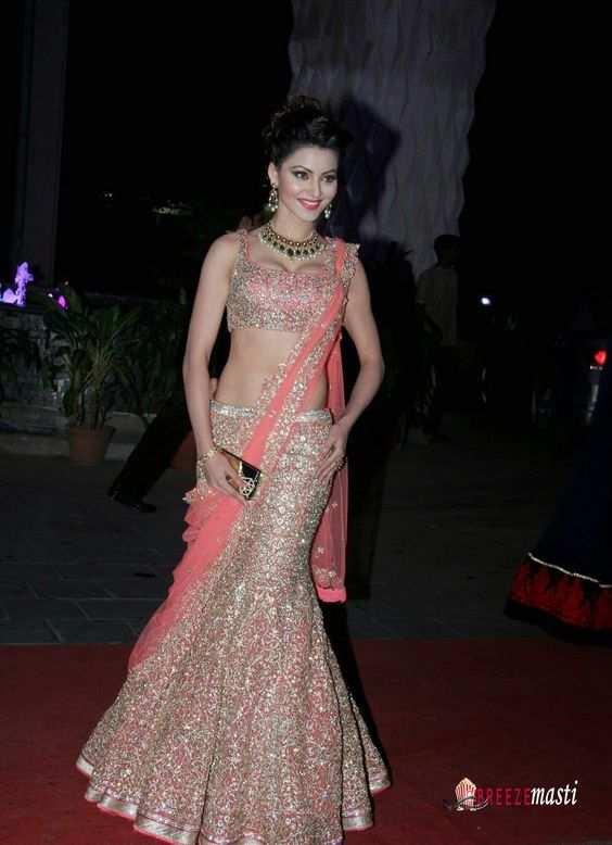 actress_urvashi_rautela_in_lehenga_sari-picture