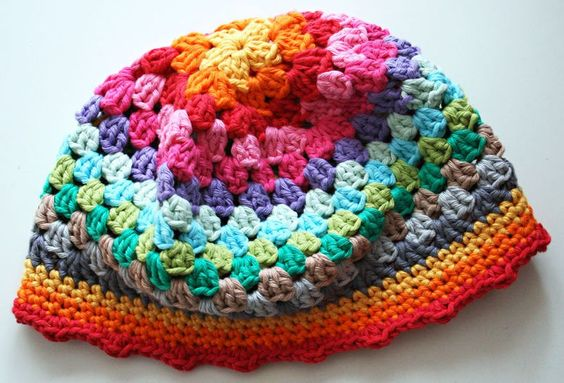 free pattern and great photo tutorial for crocheted granny square hat by revlie.typepad.com: