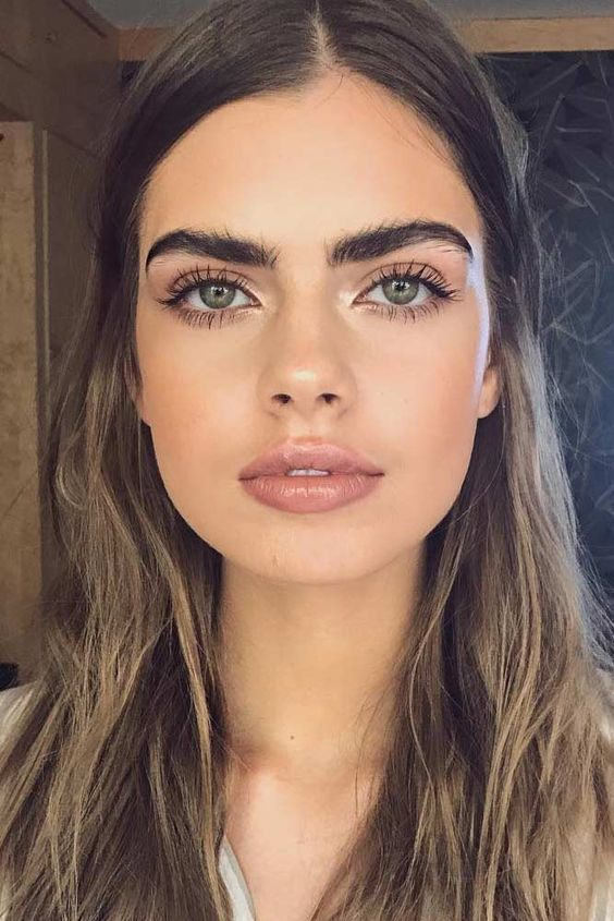 40 Simple Everyday Office Makeup Natural Easy Ideas For Professional And Business Looks Lifestyl Simple Everyday Makeup Wedding Guest Makeup Office Makeup