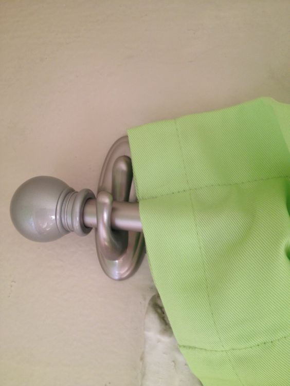 Hang Curtain Rods with Command Hooks!: