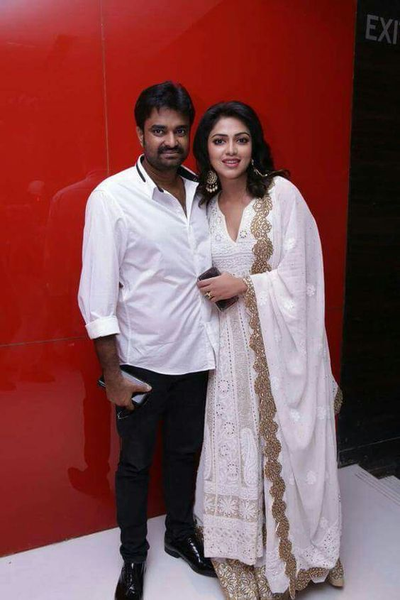 amala paul in chikan work salwar