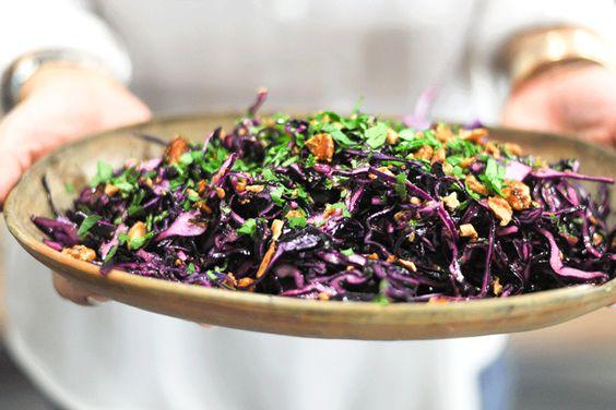GlutenFree...  Salada-de-Couve-Roxa-com-amendoas