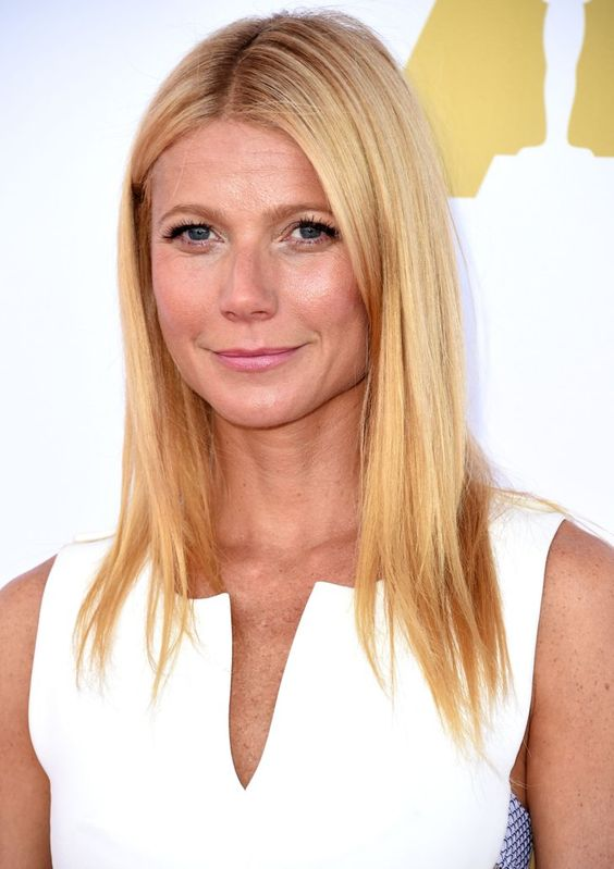 "Pin for Later: Gwyneth Paltrow Veut ""Passer un Peu de Temps"" Avec la Nouvelle Petite Amie de Chris Martin, Jennifer Lawrence"