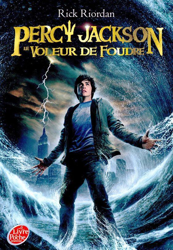 Percy Jackson, Tome 1 : Le voleur de foudre - Rick Riordan - Livres