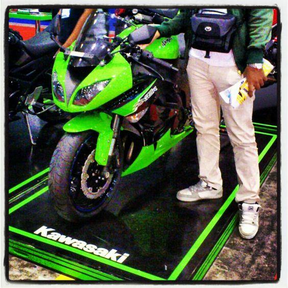 2011 Kawasaki ZX6R,wish i have one someday..