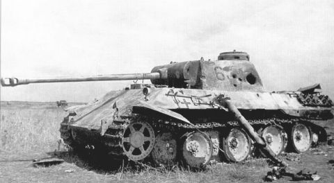 21 Stunning Images of Damaged, Destroyed and Captured German Panther Tanks  in the Battle of Kursk | Panther tank, Tank, German tanks