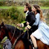 Felipe foge com Lívia de casamento
