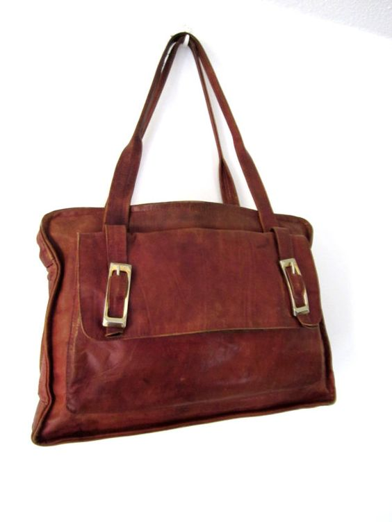French Vintage brown leather large bag with goldy by laminuinette,