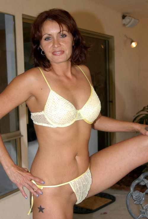 hot mature girls pics