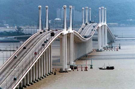 Ponte Governador Nobre de Carvalho (Macau-Taipa Bridge) connects Macau Peninsula…