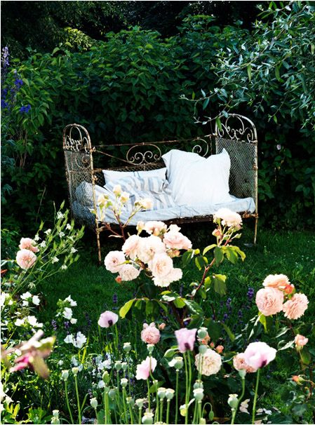 daybed for reading