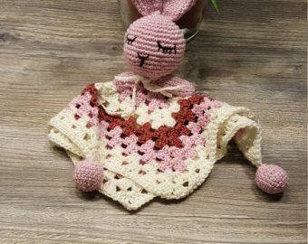 Baby Schmusedecke, Bunny Kuscheldecke, Granny Square, Mädchen Tuch, Häschen…