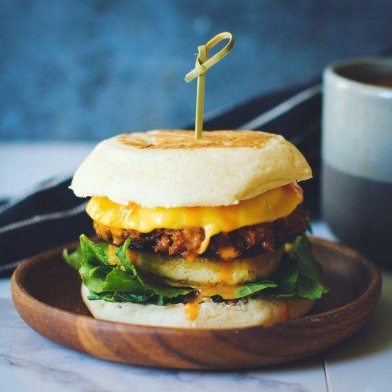 Vegan Breakfast Sandwiches With Sausage Patties Tofu Egg Greens English Muffins Amp Sriracha Ma Breakfast Sandwich Best Breakfast Sandwich Best Breakfast
