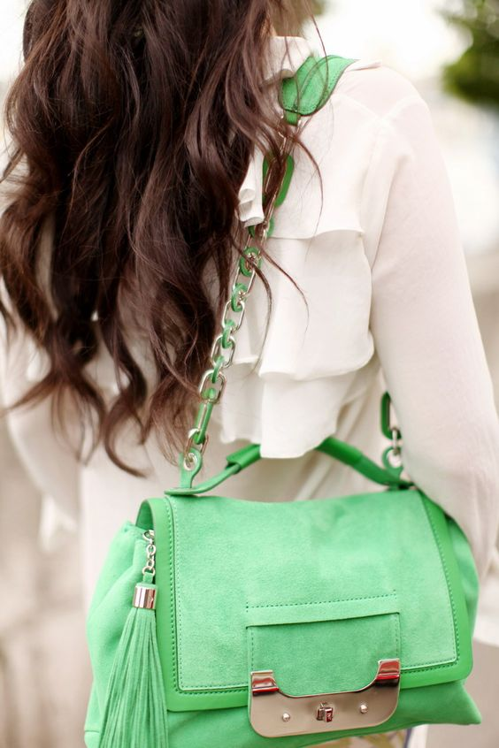 Love the color green!!!!!!!!! I need a new purse too...Mommy I think you know where I'm going with this! ;D