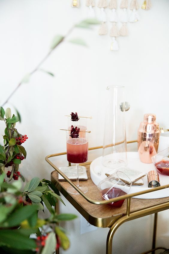 How to Throw a Cozy Holiday Party at Home | The Everygirl