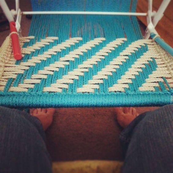 Macrame lawn chair diy crochet pinterest yarns for Macrame hammock chair pattern