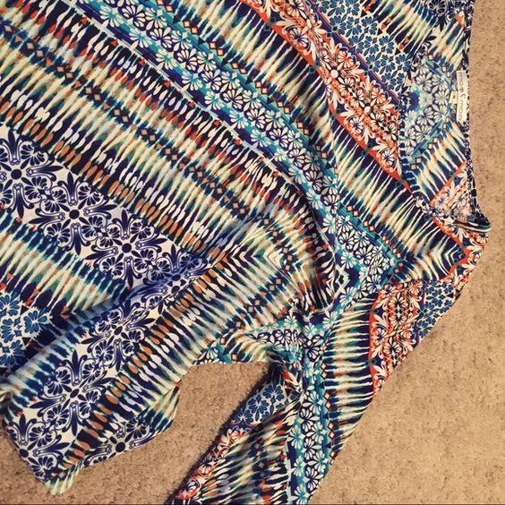 Moamoa colorful chiffon top Beautiful pattern size medium never worn Moa Moa Tops Blouses