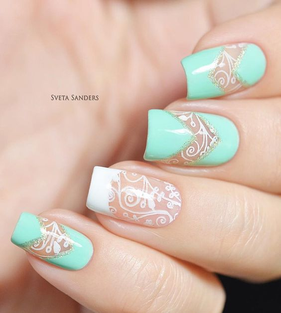 Elegant looking light blue spring nail art design. Give more attention to detail to your nails with this beautiful nail art design in partner with a white nail polish.